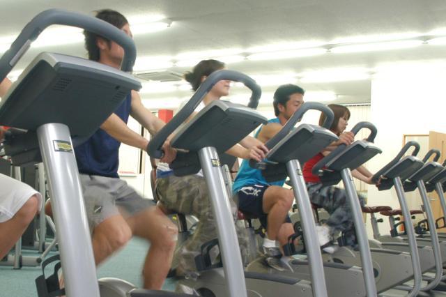 フィットネスクラブルーキーズ トレーニングジム